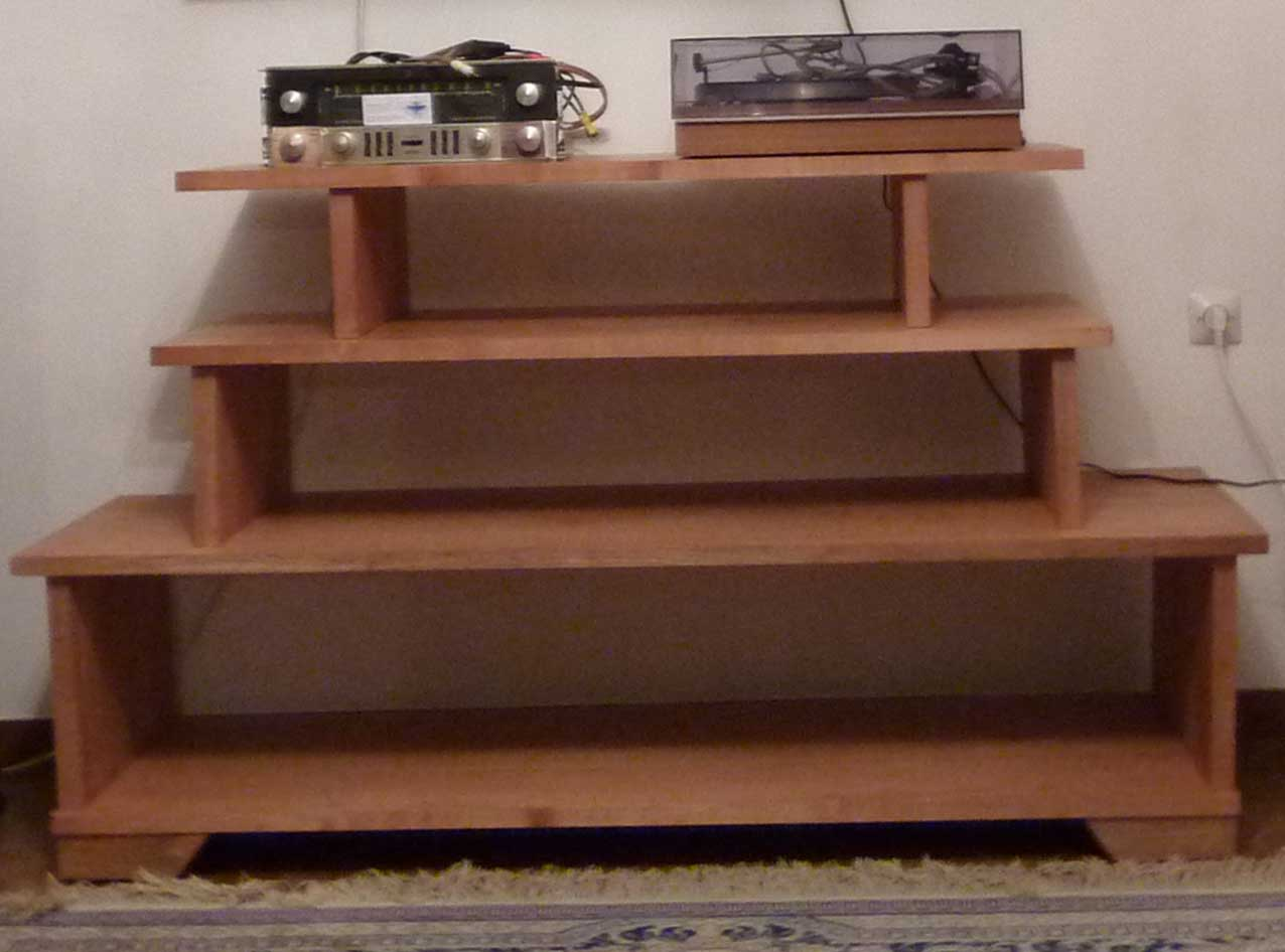 6bm8 afficher le sujet meuble hifi en merisier cir. Black Bedroom Furniture Sets. Home Design Ideas